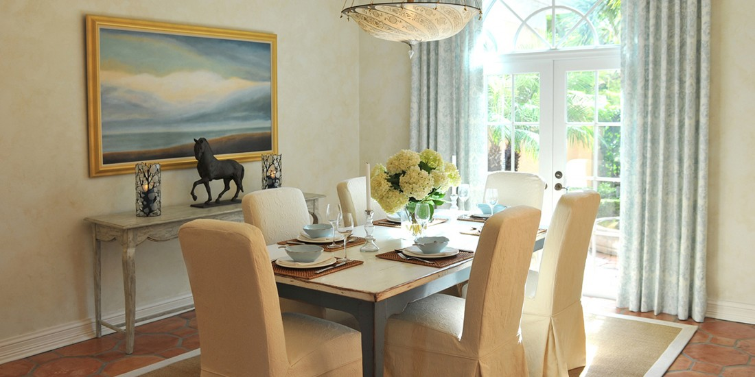 Coastal Dining Home